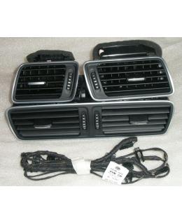 Воздуховоды торпеды (дефлекторы) с алюминиевой окантовкой и подсветкой VW Passat B6/CC (как в Passat B7)